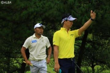 片山晋呉(左)と同組で回った石川遼(撮影:ALBA)