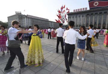 FEATURE: Many foreigners attracted by Pyongyang after inter-Korean summit