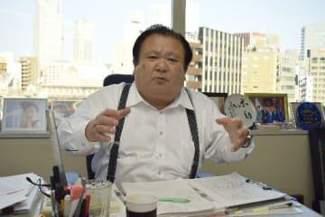 イカ釣り漁業に参入する狙いなどを語る喜代村の木村清社長=1日、東京都中央区築地の同社本社