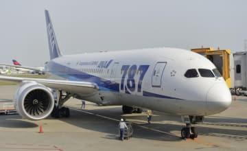 全日空のボーイング787=2014年5月、成田空港