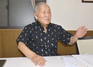 取材に応じる日本ボクシング連盟の山根明会長=2日午後、大阪市