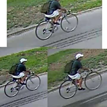 ヒューストン警察が公表した自転車に乗る容疑者の映像。ツイッターから