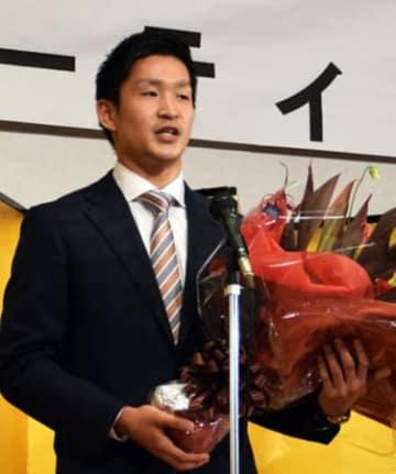 後援会発足を感謝し、東京五輪への思いを語る荒賀龍太郎(亀岡市)