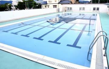 女児が溺れた福井県福井市東郷小のプール=8月1日、同市栃泉町