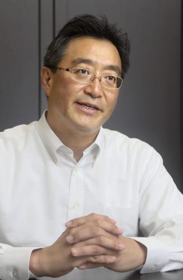 インタビューに答える中川ワインの中川誠一郎社長