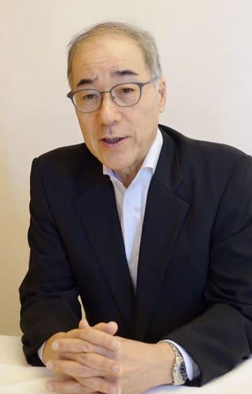 インタビューに答える原子力損害賠償・廃炉等支援機構の山名元理事長