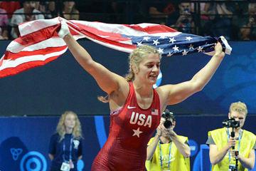 ハンガリーのマットに立てるか、ヘレン・マルーリス(米国)=写真は昨年の世界選手権