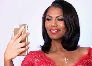 """Omarosa Manigault Says Trump Suffering From """"Mental Decline"""" In New Book 'Unhinged'"""