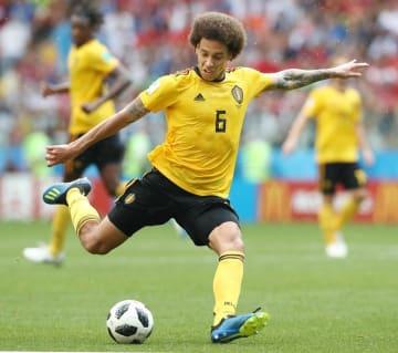 サッカーW杯ロシア大会、チュニジア戦でプレーするベルギーのウィツェル=6月、モスクワ(タス=共同)