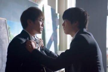 「ジャニーズWEST」の重岡大毅さん(右)と神山智洋さんがダブル主演を務めるドラマ「宇宙(そら)を駆けるよだか」のワンシーン
