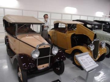 日産創業当時の1933年に製造された「ダットサン12型フェートン」