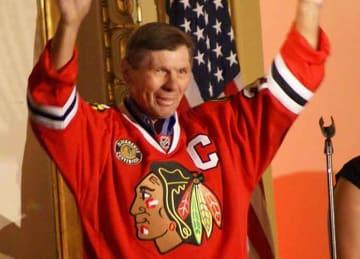 Blackhawks great Stan Mikita dies at 78