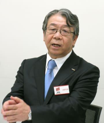 記者会見する富士フイルムホールディングスの助野健児社長=9日午後、東京都中央区