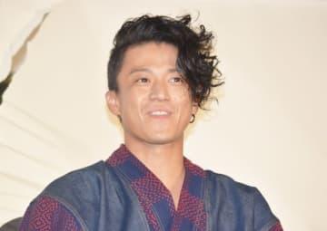 吉沢亮ら「真選組」メンバーを絶賛した小栗旬