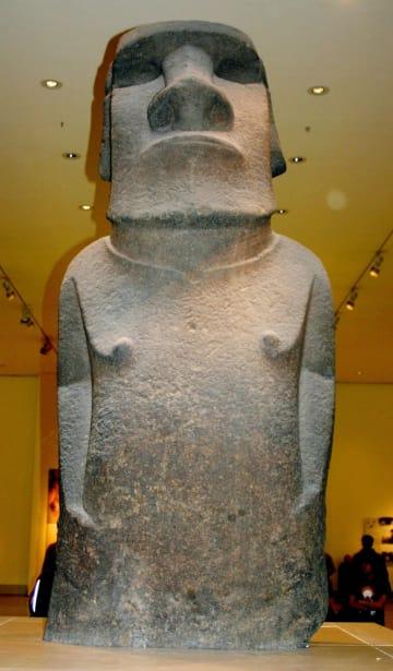 ロンドンの大英博物館が所蔵するモアイ像「ホアハカナナイア」(ゲッティ=共同)