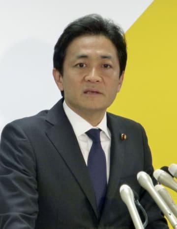 記者会見で党代表選への立候補を正式表明する国民民主党の玉木共同代表=10日午前、東京・永田町