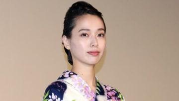 映画「劇場版コード・ブルー -ドクターヘリ緊急救命-」の大ヒット御礼舞台あいさつに登場した戸田恵梨香さん