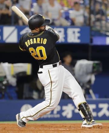 3回阪神1死二塁、ロサリオが左越えに適時打を放つ=横浜