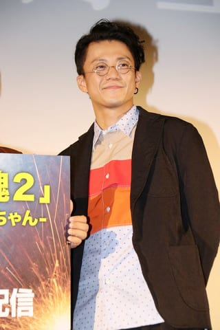 ドラマ「銀魂2-世にも奇妙な銀魂ちゃん-」の舞台あいさつ付き先行上映会にサプライズで登場した小栗旬さん