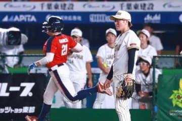 8回にサヨナラ打を浴びた日本代表・藤田倭【写真:荒川祐史】