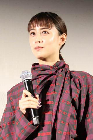 「銀魂2-世にも奇妙な銀魂ちゃん-」の舞台あいさつ付き先行上映会に登場した山本美月さん