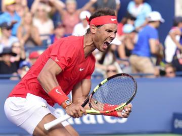 テニスのロジャーズ・カップを制し、ツアー通算80勝目を挙げたラファエル・ナダル(AP=共同)