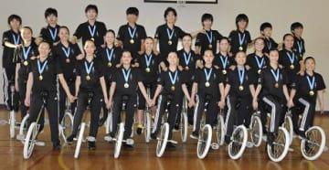 グループの2部門で優勝を果たした豊田児童センター一輪車クラブ