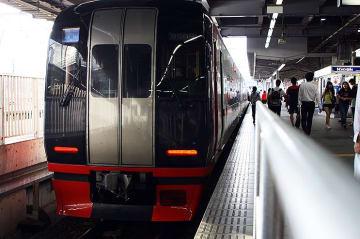 名鉄2200系特別車両で仮線へ移った知立を行く【動画】