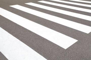 横断歩道で止まらないクルマ(3) 本当に止まらないか?試してみた!