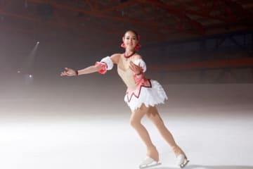 スマートフォン用ゲーム「マギアレコード 魔法少女まどか☆マギカ外伝」の1周年CMに出演しているアリーナ・ザギトワ選手