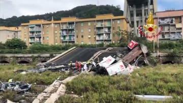 伊で高速の橋崩落 35人死亡 車数十台が転落 老朽化か?