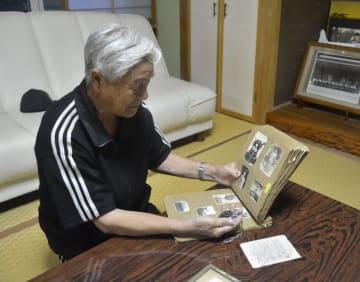 先の戦争で兄を亡くした東北町の川村要一郎さん。「悲しみは今も忘れない。戦争は二度と起こらないで欲しい」と言葉に力を込める=11日、東北町