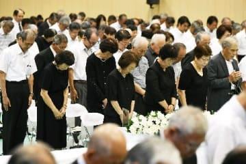 終戦73年、戦渦繰り返さぬ 福岡県戦没者追悼式