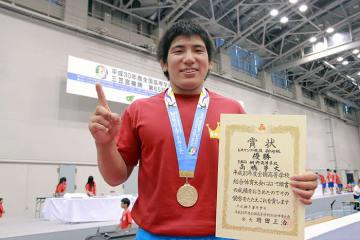 春の王者とアジア・ジュニア銅メダリストを破って優勝の髙橋夢大
