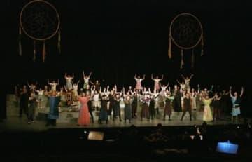 市民ミュージカルの本番に向けて行われたリハーサル=12日、見附市昭和町2