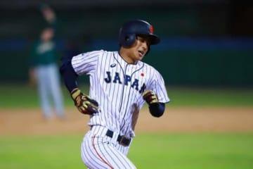 4回無死一塁から右越え2ランを放った鈴木唯斗【写真:Getty Images】