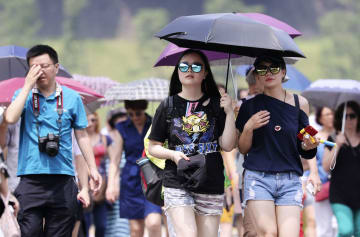 Heat wave continues in Japan