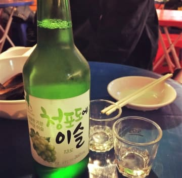 飲めば気分は韓流スター?韓国焼酎が東南アジアで人気=中国ネットでは「苦手」「まだ日本酒のほうが」の声も