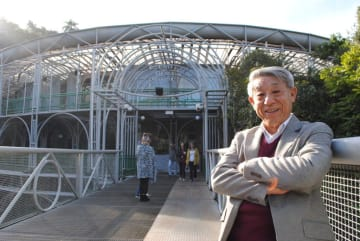 中村さんと「針金オペラ座」