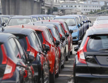 統計:資料:Cars at Japanese port