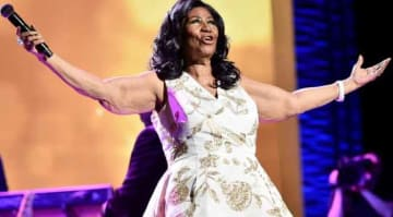 NEW YORK, NY - APRIL 19: Aretha Franklin performs onstage during the 'Clive Davis: The Soundtrack of Our Lives' Premiere Concert during the 2017 Tribeca Film Festival at Radio City Music Hall on April 19, 2017 in New York City. (Photo by Theo...