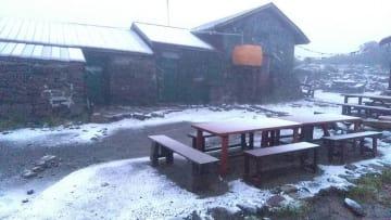 17日午前5時頃の北海道大雪山系黒岳石室前。撮影=(株)りんゆう観光