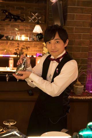 18日放送のNHKの番組「たとえBAR」に出演する「いきものがかり」の水野良樹さん (C)NHK