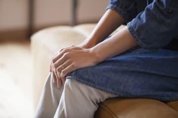クラミジア感染症の原因や男女別の症状・検査法、治療・予防法について解説します