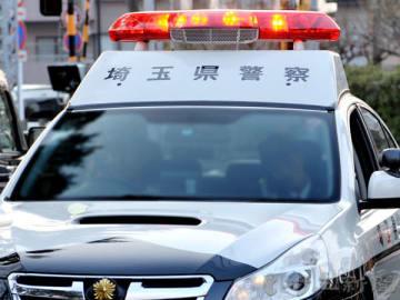 警官装い電話、女性からカード詐取 詐欺容疑で男逮捕「今は話したくない」/岩槻署
