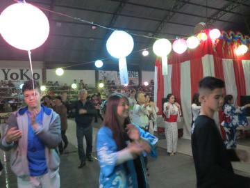 冬の風物詩=聖南西に盆踊りシーズン到来=ピラール文協で500人が楽しむ