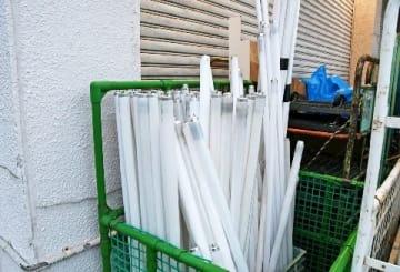 蛍光灯、水銀の危険は? 処理法自治体で差 水俣病教訓に 福岡市は回収箱設置