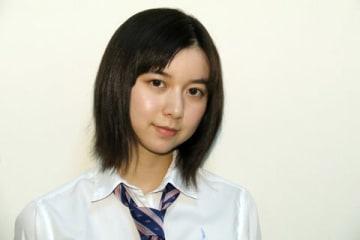 連続ドラマ「義母と娘のブルース」で高校生になったみゆきを演じる上白石萌歌さん
