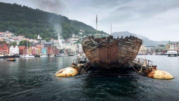 ノルウェー西部ベルゲンに到着したモード号=6日(ヤン・バンゴールさん提供・共同)