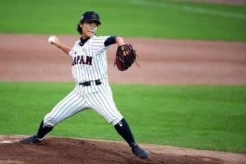16年に行われた女子野球ワールドカップではMVPを受賞した里綾実【写真:Getty Images】
